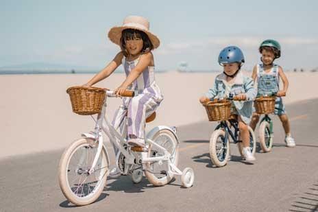 kinder-fahrrad-fahren-lernen