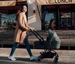 joolz-aer-babywanne-lifestyle1-text